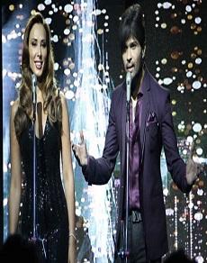 सलमान ख़ान की गर्लफ्रेंड यूलिया वंतुर ने हिमेश रेशमिया के साथ रिकॉर्ड किया सांग