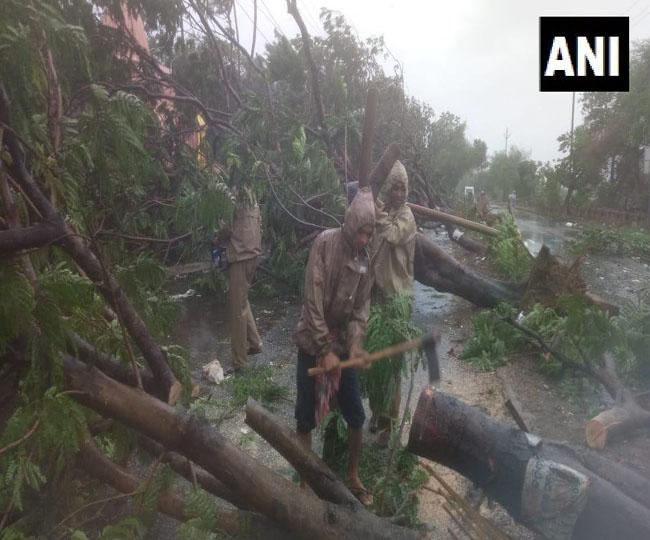Fani Cyclone: ओडिशा में चक्रवाती तूफान फानी ने बरपाया कहर, देखें तस्वीरें