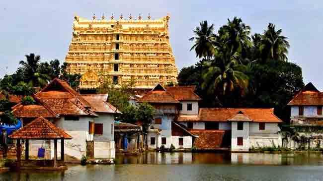 केरल के 8 प्रसिद्ध मंदिर, जहां धर्म और संस्कृति दोनों के होते हैं दर्शन