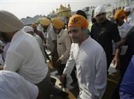 देखें तस्वीरें: राहुल गांधी अचानक श्री स्वर्ण मंदिर साहिब पहुंचे