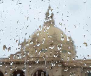 स्वीरों में देखें-बारिश में भीगती यूपी की राजधानी