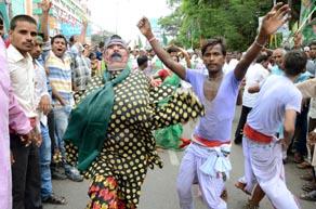 पटना के गांधी मैदान में लालू की रैली में दिखे सियासत के सभी रंग, देखें