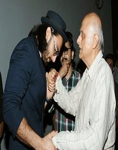 भट्ट कैंप के लिए 'विशेष' हैं रणवीर सिंह, तस्वीरें तो यही कहती हैं