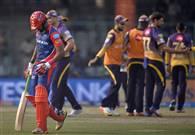 तस्वीरें : दिल्ली डेयरडेविल्स को हराकर कोलकाता नाइटराइडर्स फिर टॉप पर