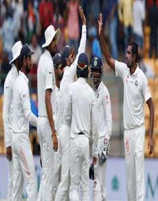 भारत ने बेंगलुरु टेस्ट में ऑस्ट्रेलिया से हिसाब बराबर किया, देखें तस्वीरें