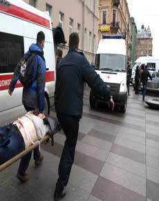 photos: रूस के सेंट पीटर्सबर्ग में दो मेट्रो स्टेशनों पर धमाके से 10 की मौत
