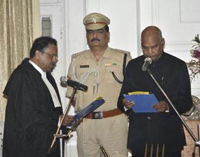 photo : पटना हाइकोर्ट के मुख्य न्यायाधीश जस्टिस राजेंद्र मेनन ने ली पद की शपथ