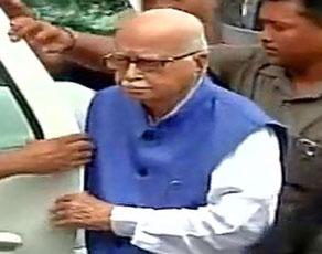 देखें तस्वीरें : अयोध्या मामले की सुनवाई में आज लखनऊ की सीबीआई कोर्ट में पेश हुए भाजपा नेता