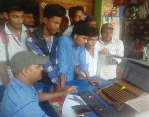 pics: बिहार बोर्ड मैट्रिक परीक्षा का आया रिजल्ट, साइबर कैफे पर उमड़ी भीड़