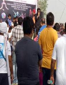 दिल्ली में 'सुप्रभात' का आयोजन, लोग जमकर झूमे, देखें तस्वीरें