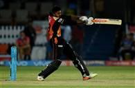 IPL 10 : गुजरात को रौंदते हुए सनराइजर्स हैदराबाद की प्लेऑफ में धमाकेदार एंट्री