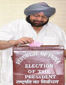 देखें तस्वीरें: राष्ट्रपति चुनाव में पंजाब में सीएम सहित विधायकों ने डाले वोट