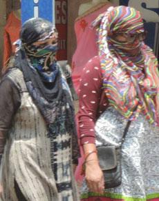 देखें तस्वीरें: हरियाणा में गर्मी के तेवर लगातार हो रहे तीखे, सांसत में लोग