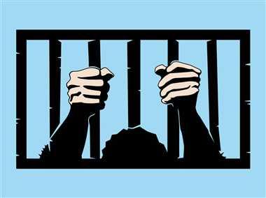 हत्या के आरोप में मां-बेटे को जेल भेजा