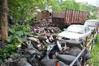 थानों में जंग खा रहीं करोड़ों की गाडि़यां