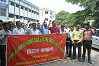 मेडिकल रिप्रजेंटेटिव्स ने निकाली रैली