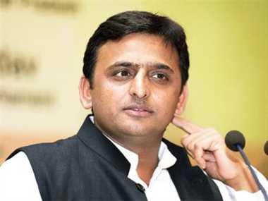 गोरखपुर में मुख्यमंत्री को अफसरों ने दिया धोखा : अखिलेश