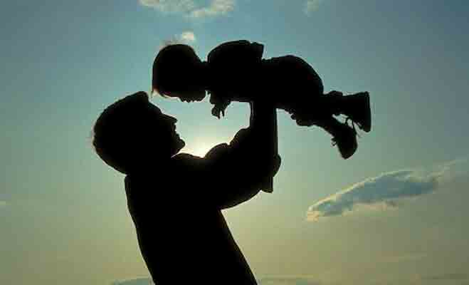 fathers day,world fathers day,fathers day 2017 fathers day love sms,pita shayari in hindi,happy fathers day,whatsapp message fathers day,
