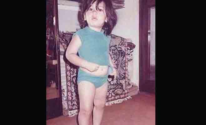 Image result for करीना कपूर बचपन फोटो