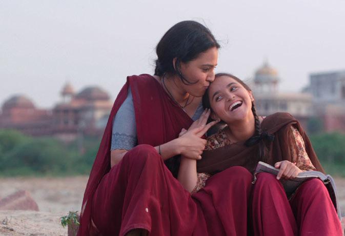 Movie review : कसे हुए प्लॉट और किरदारों ने 'निल बटे सन्नाटा' को भी करा दिया 'पास'