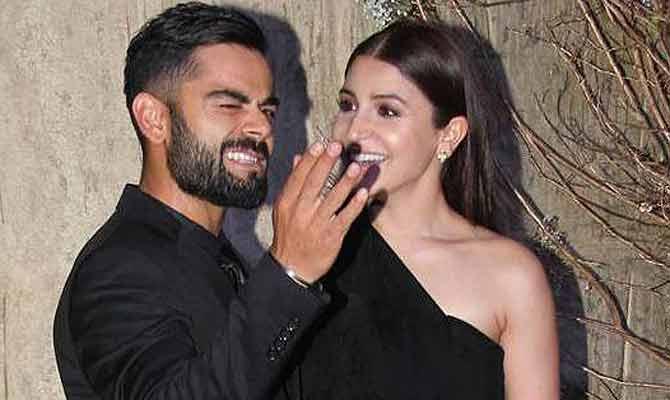 अनुष्का की सिर्फ एक आदत से परेशान है विराट कोहली! आमिर ने खुलवाया राज