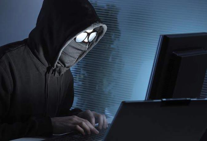 ऑनलाइन सिक्योरिटी! प्रोफेशनल हैकर से जानिए पैसा सुरक्षित रखने के तरीके