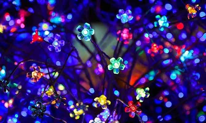 दिवाली पर घर रौशन करने आ गईं नई नवेली LED लाइट्स