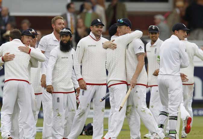 पता है इंग्लैंड की टीम में 7 बाएं हाथ के बल्लेबाज खेल रहे हैं, फिर भी रिकॉर्ड नहीं बना