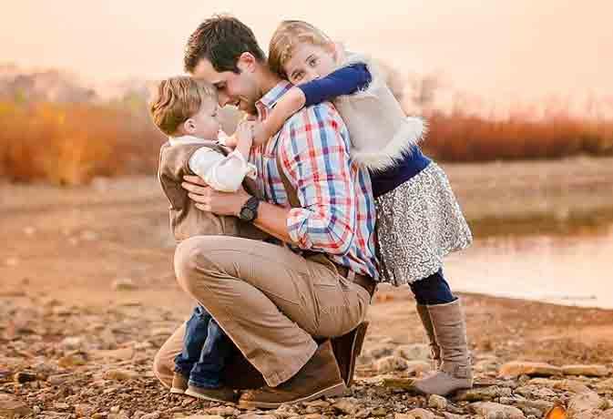 World Father's Day : 10 WhatsApp मैसेज जिन्हें पढ़कर आपके पापा हो जाएंगे खुश
