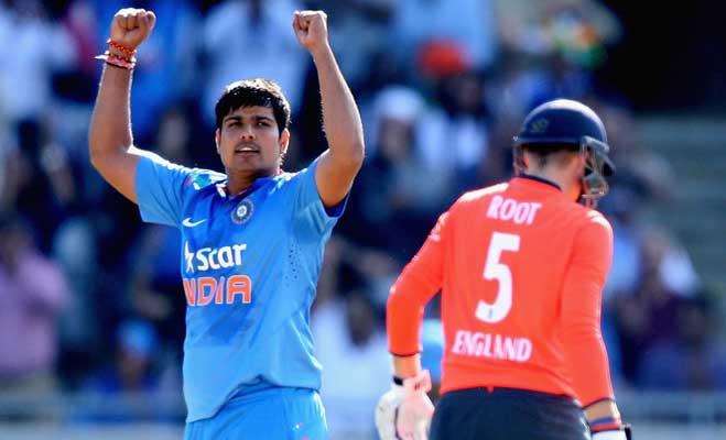 Image result for क्रिकेट खिलाडी कर्ण शर्मा