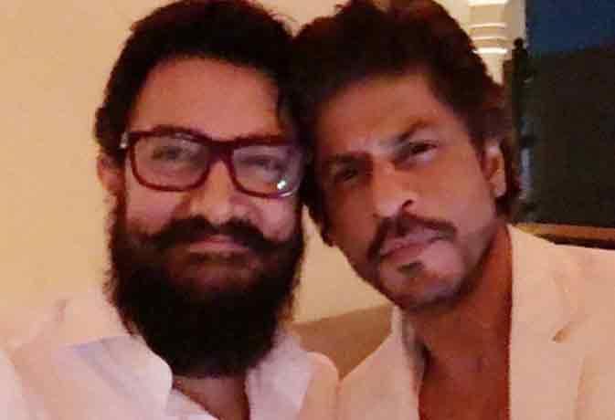 वो बातें जो मीडिया में शाहरुख और आमिर खान के बारे में कभी नहीं आईं