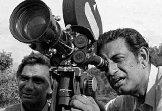 'बाइस्किल थीफ' ने सत्यजीत रे को बनाया फिल्मकार, जरूर देखें उनकी ये 10 फिल्में