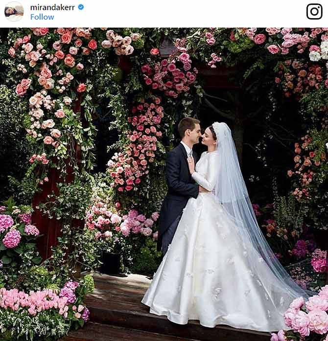 snapchat,snapchat ceo,interesting news,entertainment news,snapchat ceo india controversy,snapchat ceo wedding pics,miranda kerr,miranda kerr wedding,evan spiegel,evan spiegel wedding,victoria secret model,hot wedding,orlando bloom,viral news in hindi,