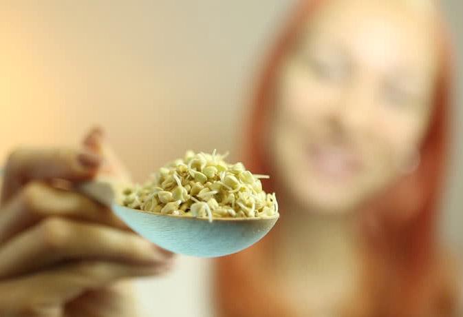 इंफेक्शन से सावधान! कच्चा अंकुरित अनाज खा रहे हों तो ये खबर जरूर पढ़ें