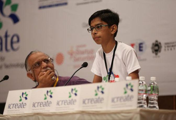 छोटी उम्र बड़ा टैलेंट! गुजरात के 14 साल के बच्चे ने बनाया एंटी लैंडमाइन ड्रोन, किया पांच करोड़ का सौदा