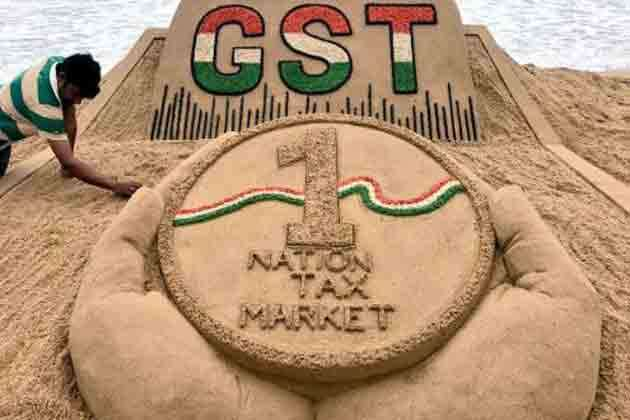 GST को एक साल पूरा: देश में क्या कुछ बदला और किन सेक्टर्स को हुआ फायदा?