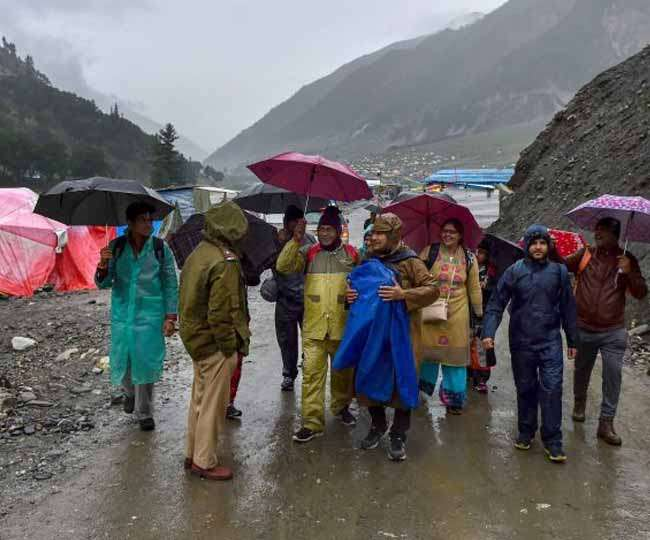 अमरनाथ यात्रा स्थगित होने से यात्री परेशान, फंसे लाखों रुपये, एजेंसियों ने पैसा लौटाने से किए हाथ खड़े