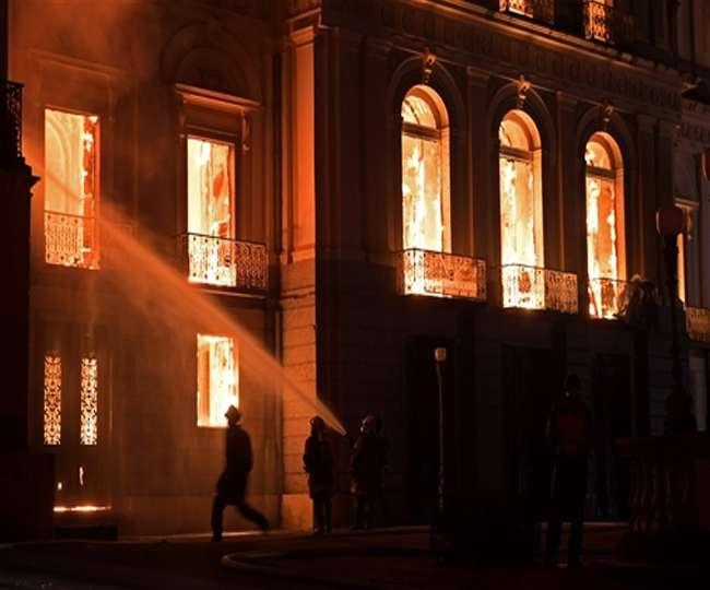 आग में खाक हो गया रॉयल पैलेस और नष्ट हो गई वर्षों पुरानी ऐतिहासिक धरोहर