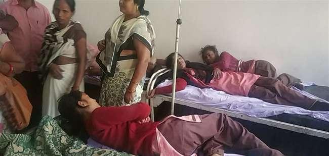 Le condizioni di cinque studentesse peggiorano dopo lo sfregamento nella scuola media di Baltharod