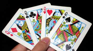 This Janmashtami, Gujarati obsession with Teen Patti spills over online