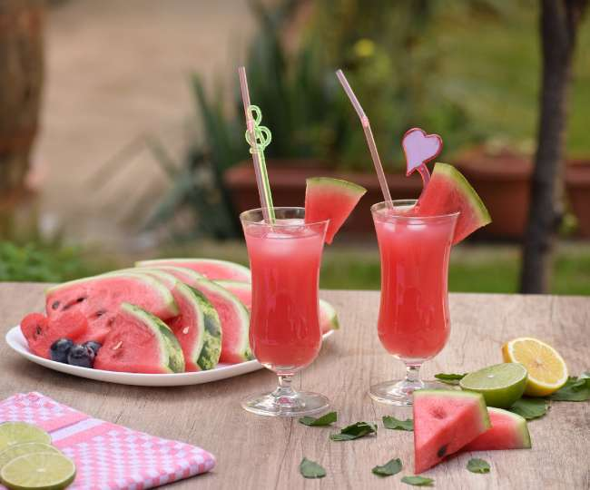 Watermelon Recipes: वजन कम करना हो या चाहिए ग्लोइंग स्किन, तरबूज है सबसे फायदेमंद