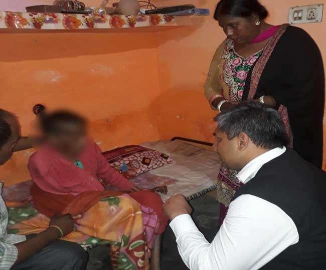 बेटों ने मां पर किया दिल दहला देने वाला अत्याचार, पर पुलिस को शिकायत की दरकार