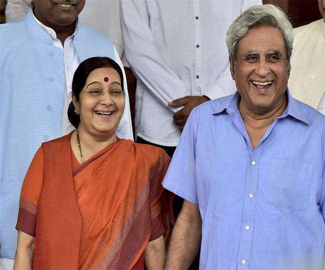 Sushma Swaraj के पति ने उनके लिए दांव पर लगा दिया अपना राजनीतिक करियर