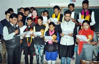 डीएसबी में एबीवीपी के बागी महेश बने छात्रसंघ अध्यक्ष