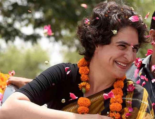 लखनऊ में प्रियंका गांधी के साथ राहुल व ज्योतिरादित्य का नौ घंटा रोड शो
