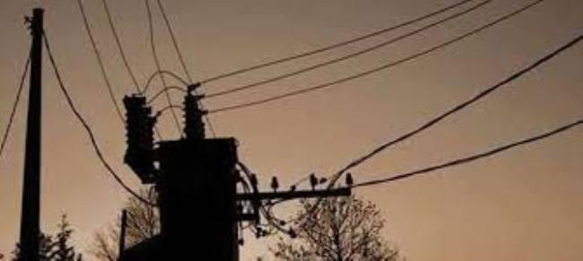 Image result for न बिजली का ट्रांसफार्मर लग सका