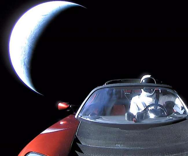 अंतरिक्ष में उड़ती मिली एलोन मस्क की स्पोर्ट्स कार टेस्ला रोडस्टर