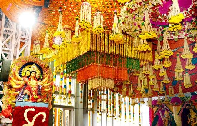 One lakh devotees reach mata vaishno devi bhawan in the first week of  Navratri