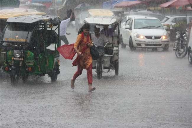 Delhi NCR Weather Update: करोड़ों लोगों को झटका, अब एक सप्ताह तक नहीं होगी बारिश