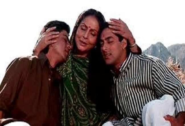 veteran actress rakhee gulzar back in screen after 15 years